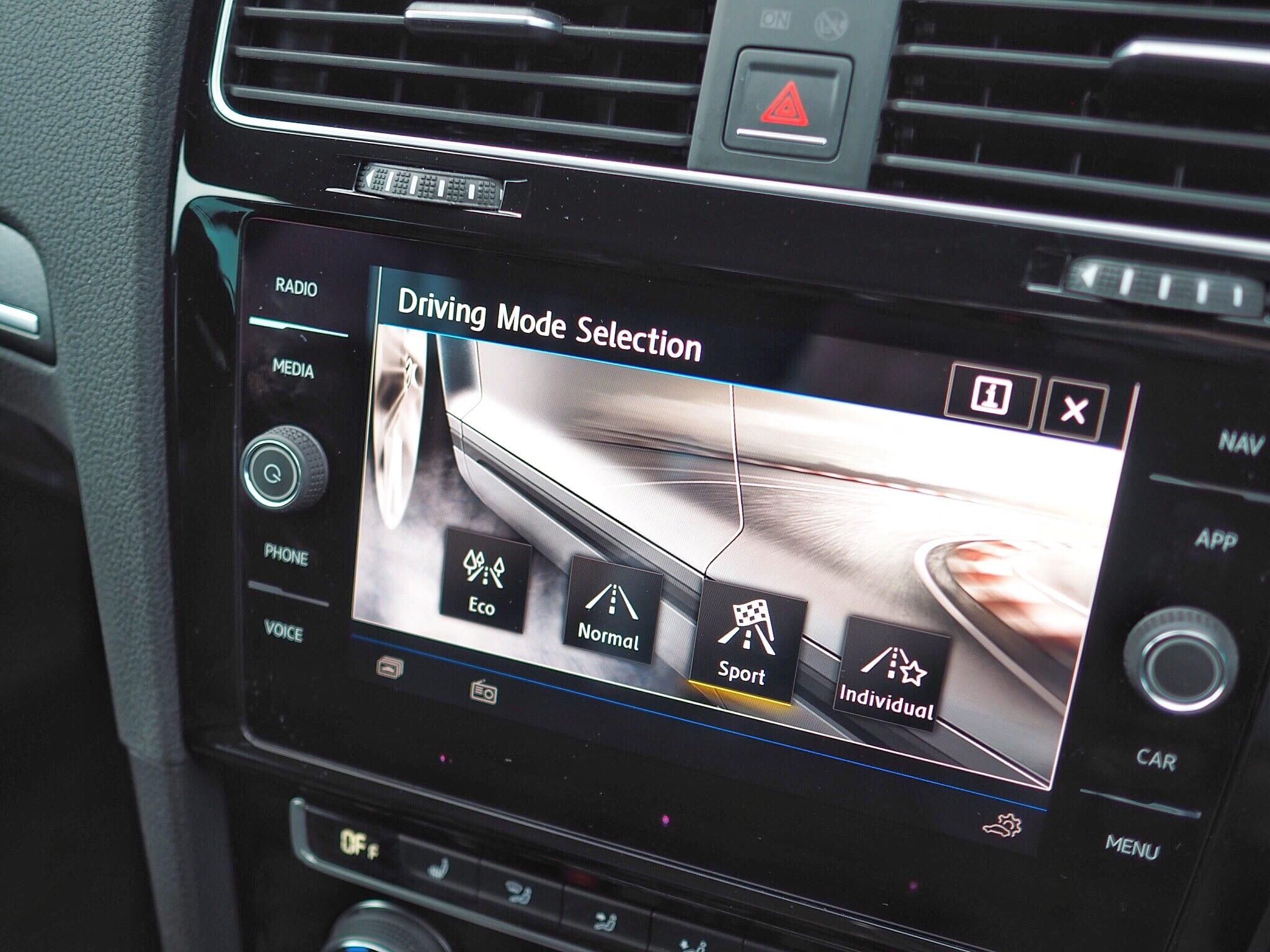 Volkswagen Golf GTD Radio