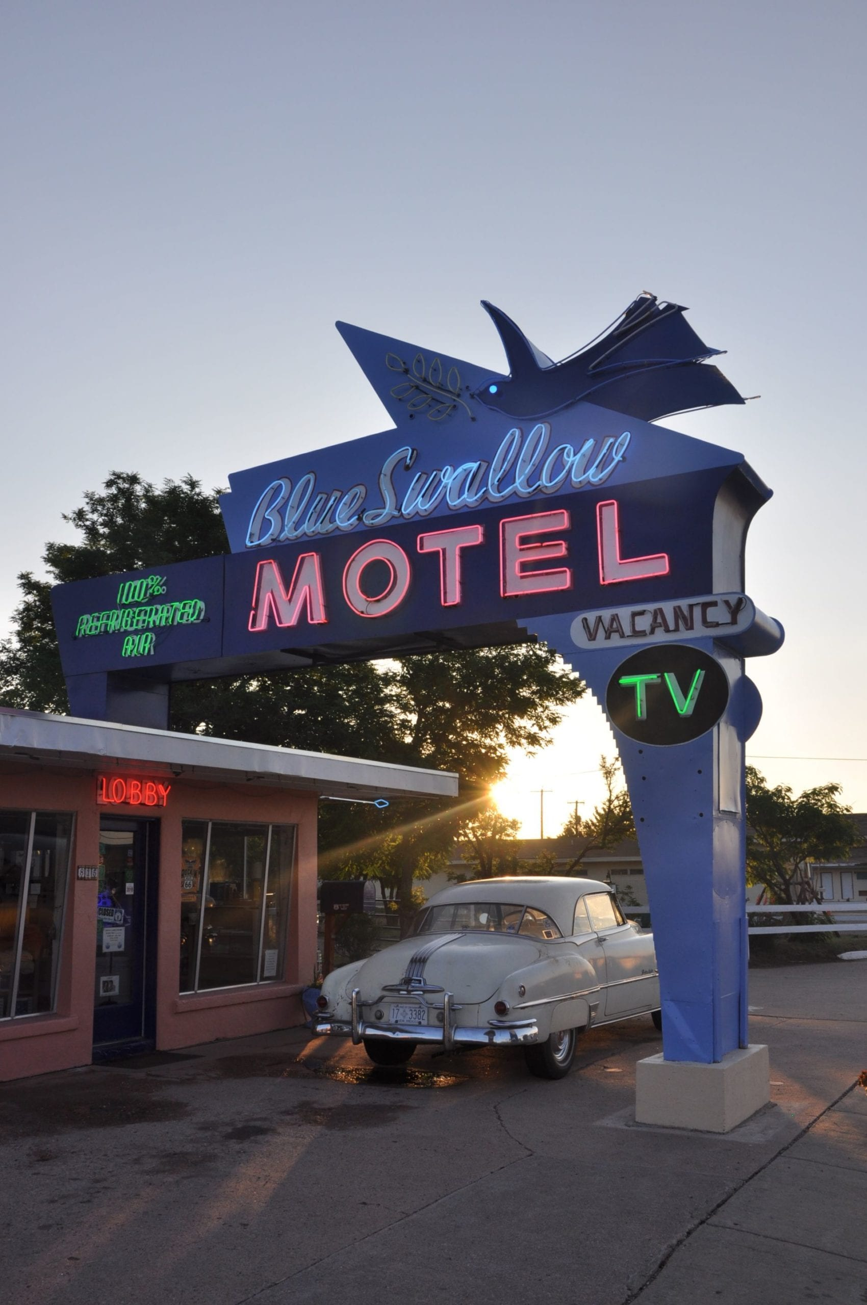 Route 66 Hotel Blue Swallow