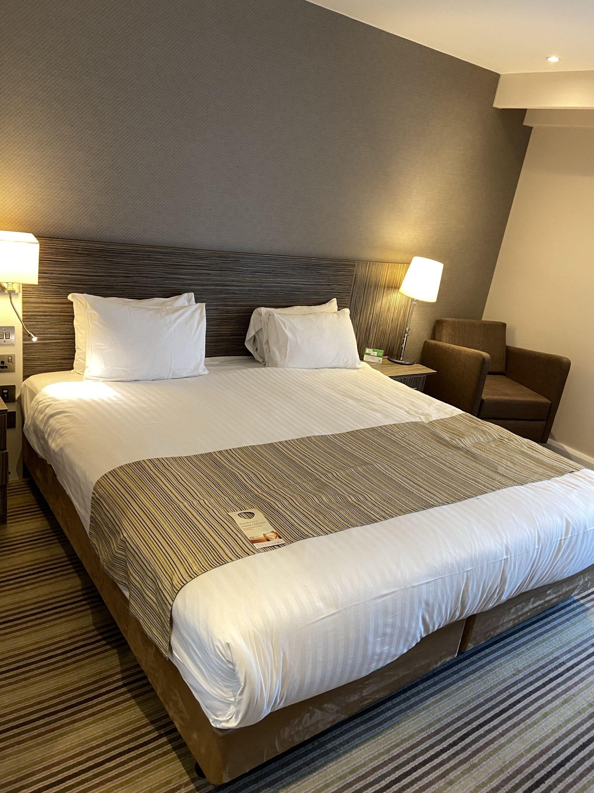 Hotel Bedroom Holiday Inn