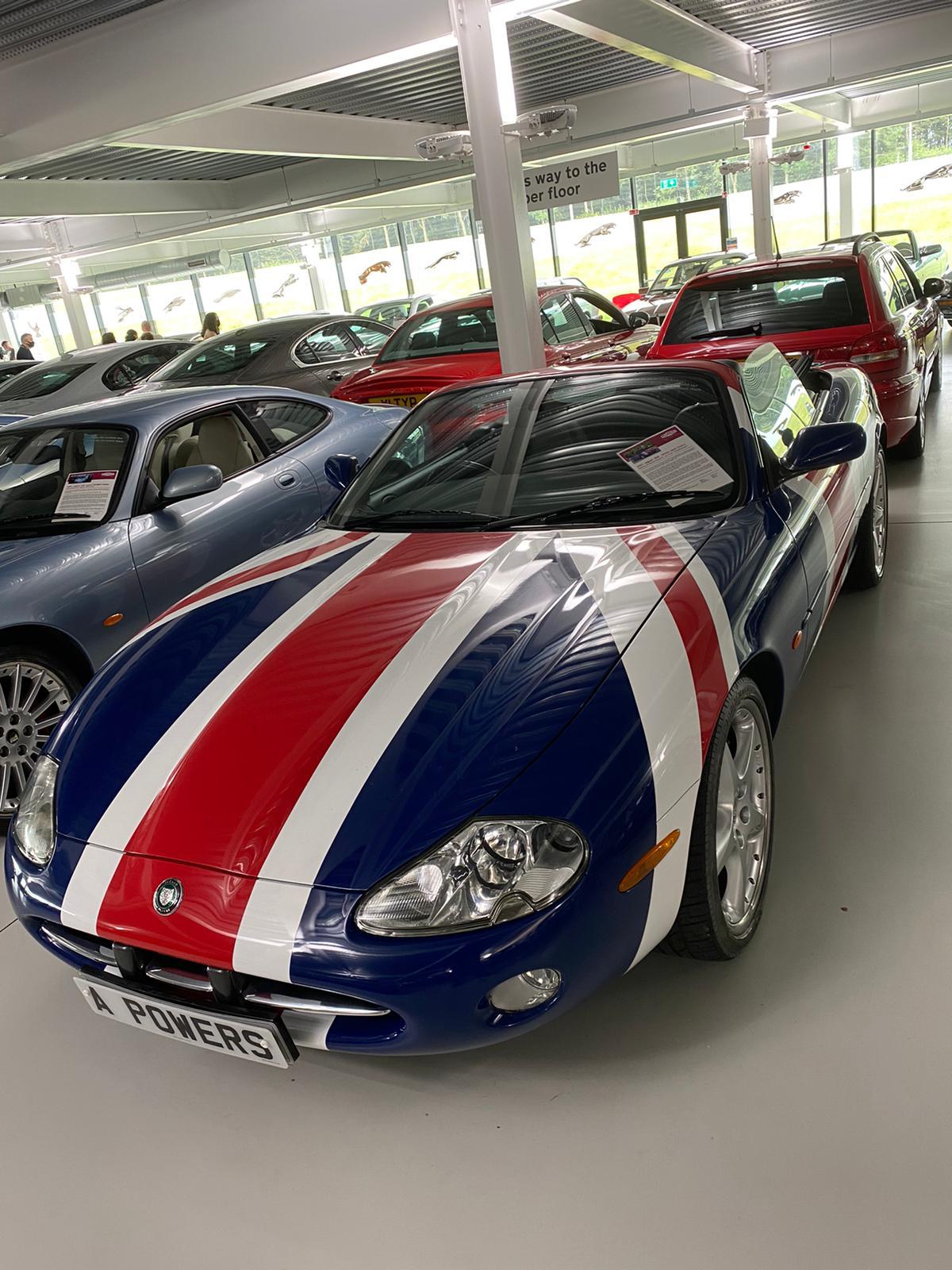 Austin Powers Jaguar